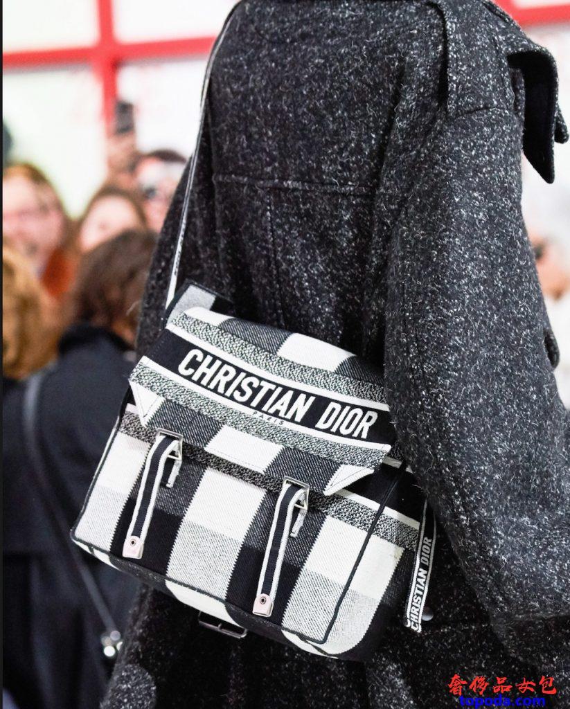 迪奥(Dior)邮差包