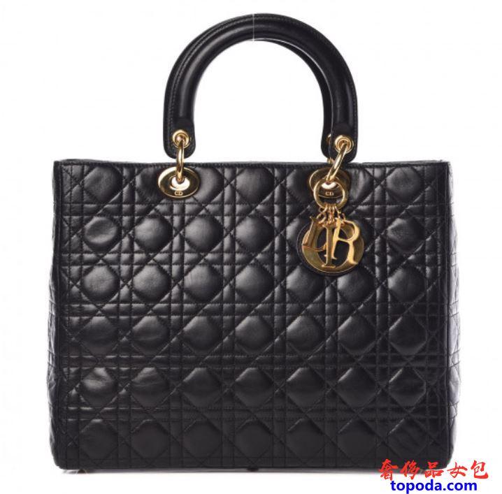 迪奥Lady Dior包。