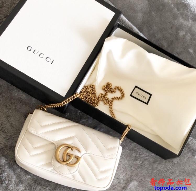 古驰Gucci GG Marmontmatelassé白色皮革迷你包
