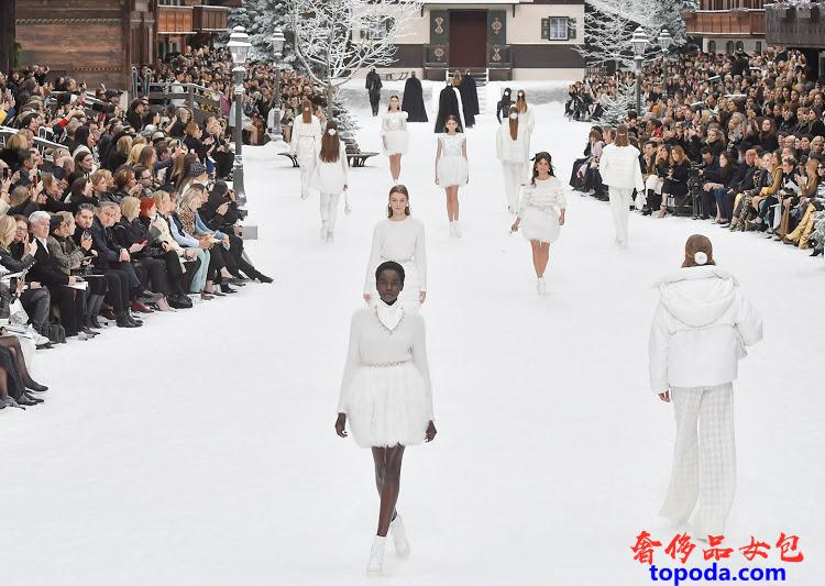 香奈儿(Chanel)2019秋冬时装秀
